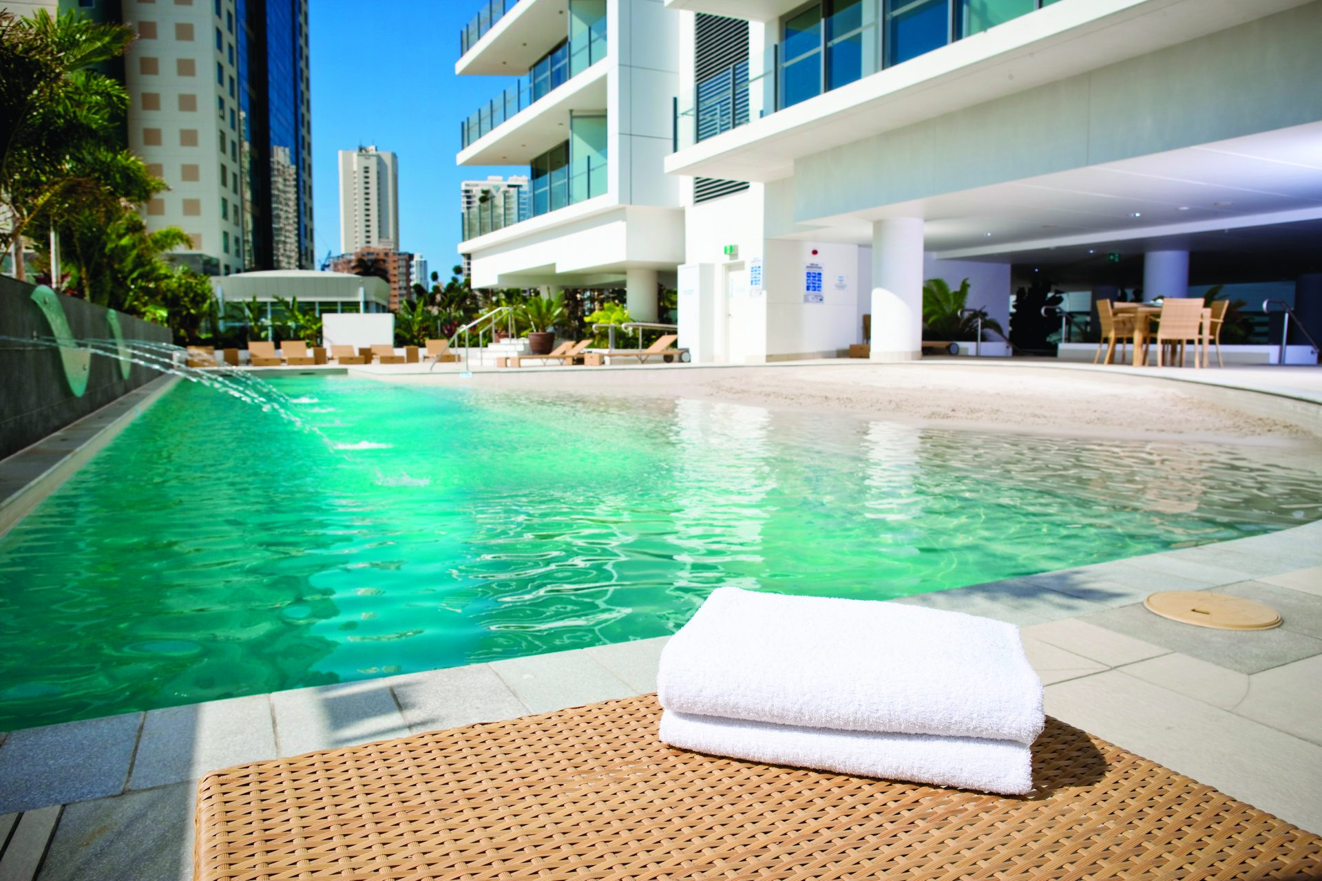 Wyndham Surfers Paradise pool